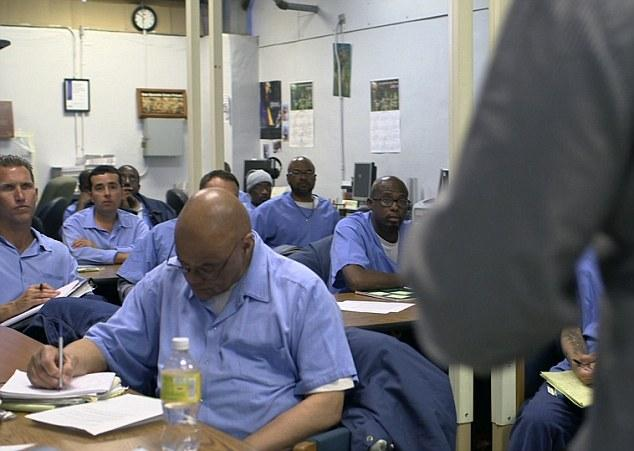 15073044 pbXr 监狱开编程课:他出狱后就当上了程序员