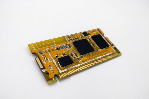 556d184b26651 豌豆机器小组发布最新 WRTnode2R,支持华为 Liteos、QQ物联与AllJoyn