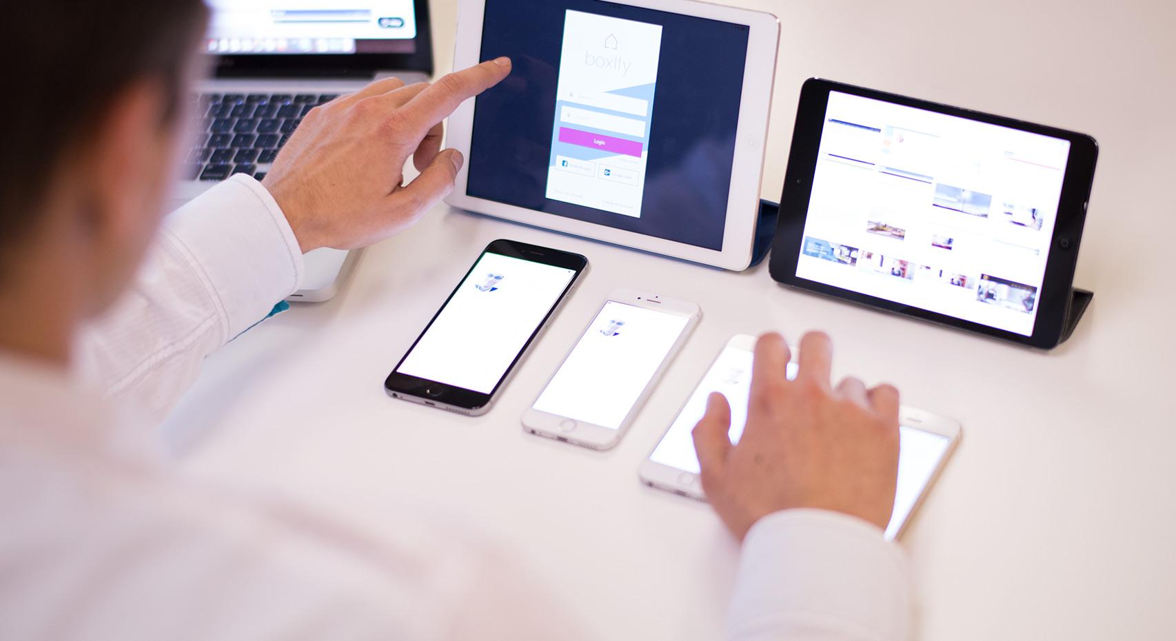 tablet853x465 广州响应式网页设计的原则