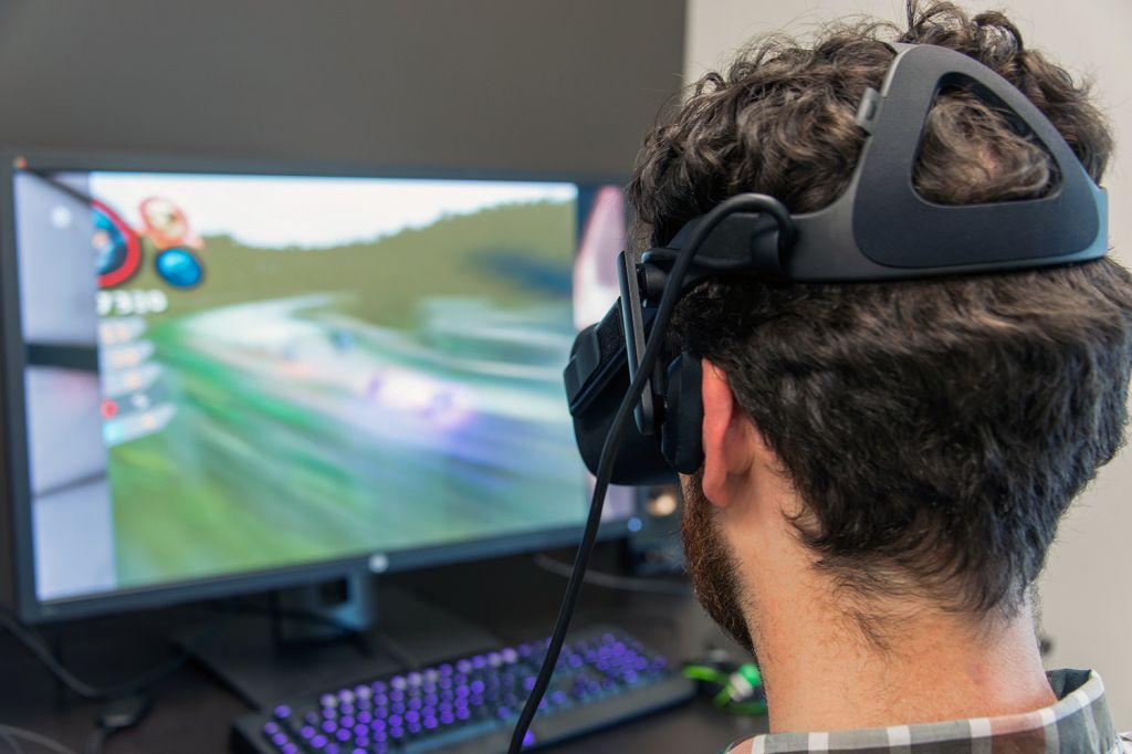 2 2017年VR将走的3个方向你更认可哪一个?