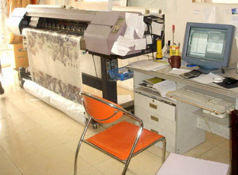 图2 2 1 5 3,刺绣电脑喷绘店内景 如何鉴别和收藏刺绣?