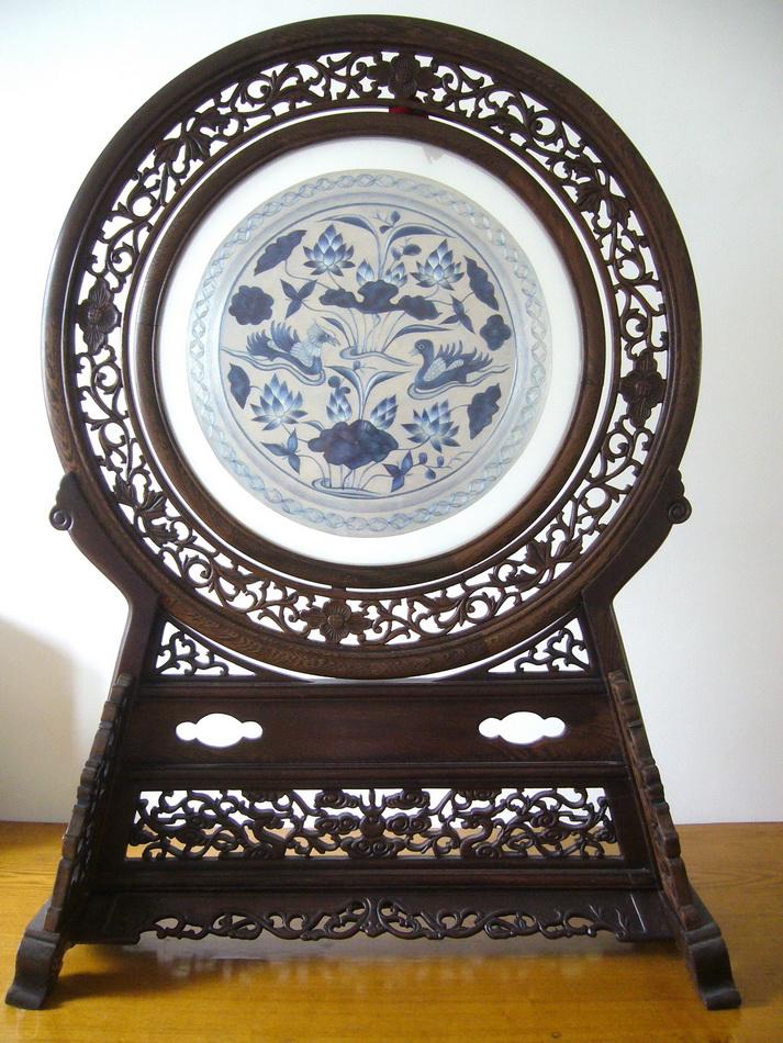 图5 1 19 1 双面全异绣A面 首博藏元青花瓷盘 当代刺绣有哪些创新?
