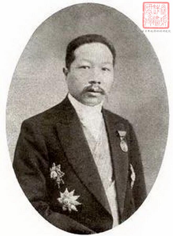 图1,朱启钤像 民国时期中国织绣收藏第一人——朱启钤